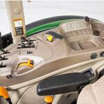 John Deere 5090E gear