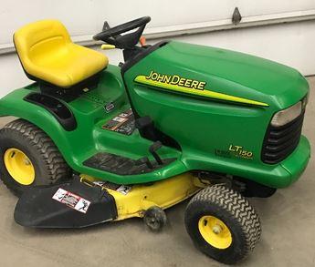 John Deere LT150 lawn tractor